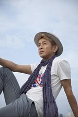 昨年デビュー25周年&ソロ15周年を迎えた藤井フミヤ