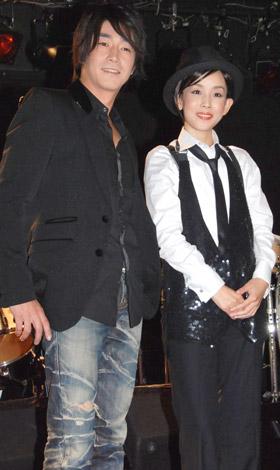 映画『宿命(仮)』の記者発表会見に出席した、(左から)津田英佑と鈴木早智子 (C)ORICON DD inc.