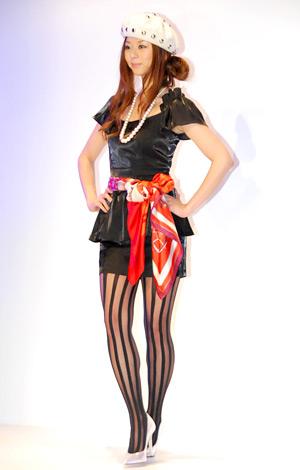 ドラマ『リアル・クローズ』の制作発表時に行われたファッションショーに登場したえれな (C)ORICON DD inc.