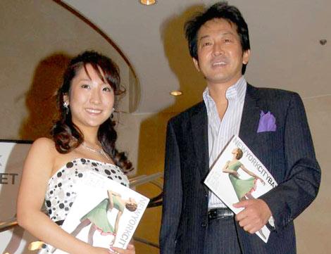 『ニューヨーク・シティ・バレエ』日本公演を観劇に訪れた、辰巳琢郎(右)と娘の辰巳真理恵 (C)ORICON DD inc.