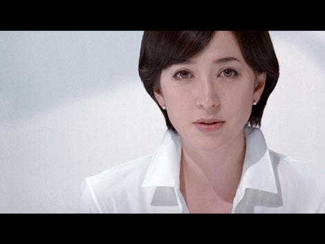 サムネイル 『リバイタル グラナス プラチナムシステム』のCMに出演する滝川クリステル