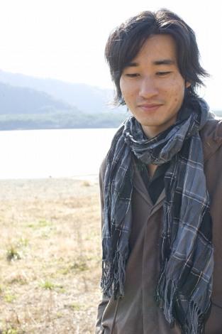 サムネイル GOING UNDER GROUNDのドラマー・河野丈洋