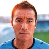 中山雅史選手がジャケットを飾る『明日へ/ヒーロー』(初回限定盤)