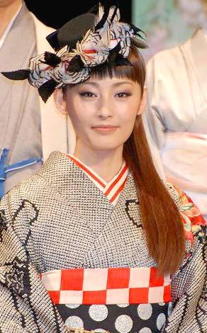 サムネイル 長塚圭史との結婚発表後、初めて公の場に登場した常盤貴子(C)ORICON DD inc.