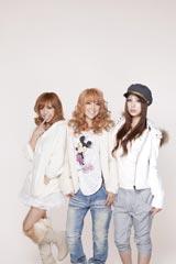 今年8月にデビューした3人組ギャルユニット・Juliet