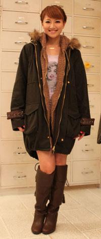 サムネイル 人気ブランドとコラボしたアイテムを着るhiroko
