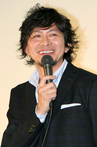 映画『銀色の雨』の舞台挨拶に登壇した鈴井貴之監督 (C)ORICON DD inc.