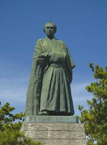 坂本龍馬像(高知県高知市)