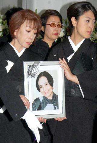 画像・写真 | 南田洋子さん葬儀...