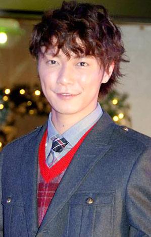 サムネイル 日本最大級の光のクリスマスリース『ハッピーリース』点灯式イベントに参加した成宮寛貴 (C)ORICON DD inc.