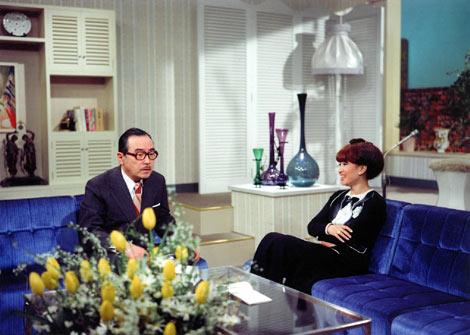 『徹子の部屋』初回放送 第一回目のゲストとして登場した森繁久彌さん(左)