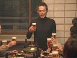 笑顔で乾杯の音頭をとるイチロー/『キリン一番搾り生ビール』新CM