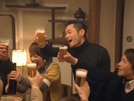 """イチローが""""はっちゃける""""姿も披露している『キリン一番搾り生ビール』新CM"""