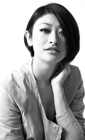 サムネイル 『anan』(発売中・マガジンハウス)でショートヘアーにした理由などを語っている山田優