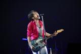 『Mr.Children DOME TOUR 2009 〜SUPERMARKET FANTASY』の初日公演を行ったMr.Childrenの桜井和寿 写真:薮田修身(FEMME)