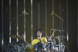 『Mr.Children DOME TOUR 2009 〜SUPERMARKET FANTASY』の初日公演を行ったMr.Childrenの鈴木英哉 写真:薮田修身(FEMME)
