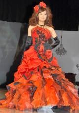 香里奈が手掛けるウエディングドレスブランド『Sancta Carina PRODUCES BY KARINA Season Six』の新作発表会の様子