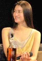 第1回『WHISKY LOVERS AWARD 2009』授賞式に出席した小雪 (C)ORICON DD inc.