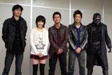 続編は柴田一成監督(左端)のオリジナルストーリー
