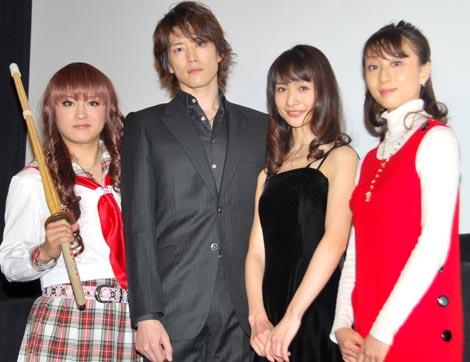 日本初の試み『World Classics @ CINEMA』上映イベントに登場した(左から)桜塚やっくん、宮尾俊太郎、東野泰子、神戸里奈 (C)ORICON DD inc.