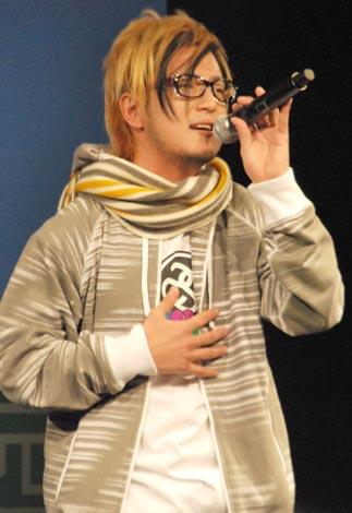 「ひまわり」、「羽」の2曲を披露した遊助 (C)ORICON DD inc.