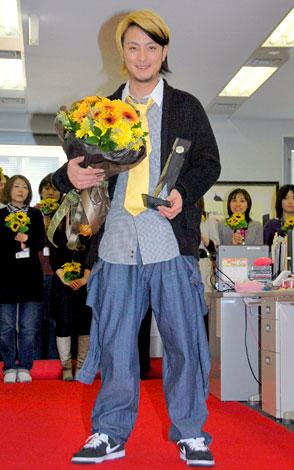 『第42回オリコン年間ランキング2009』でソロアーティスト部門で1位に輝いた遊助 (C)ORICON DD inc.