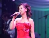 20年ぶりとなるライブ『薬師丸ひろ子 SONGS 2010』を開催した薬師丸ひろ子