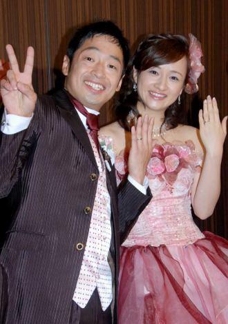 サムネイル 幸せいっぱいの安田団長と岩田さち夫妻(C)ORICON DD inc.