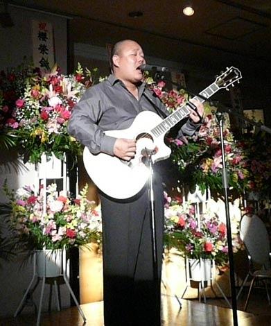 中村親方の長男・中澤信栄が初場所千秋楽祝賀会にサプライズゲストとして登場