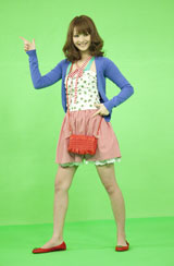 『Fit's』新CMの撮影でダンスを披露する佐々木希