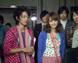 『Fit's』新CM撮影の様子(左から)佐藤健と佐々木希