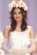 """""""日本一かわいい花嫁""""を決める『Pretty BRIDE 2010』グランプリに選ばれた鞠子ナナさん (C)ORICON DD inc."""