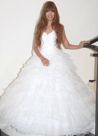 自身がプロデュースしたウエディングドレスを披露したSHEILA (C)ORICON DD inc.