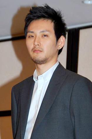 『2010年エランドール賞』新人賞を受賞した松田龍平 (C)ORICON DD inc.