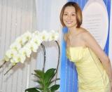 最も蘭の似合う女性『オーキッド・クイーン2010』に選ばれた米倉涼子 (C)ORICON DD inc.