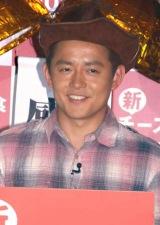ファミリーレストラン・ガストの『国民的ハンバーグ』認定記念イベントに出席したスピードワゴンの井戸田潤 (C)ORICON DD inc.