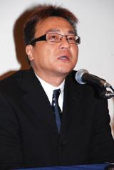 昨年4月、謝罪会見で涙する北野誠(C)ORICON DD inc.