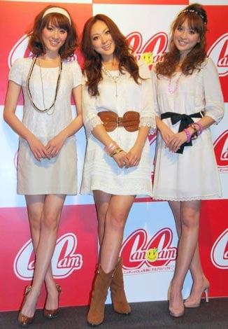 『CanCamスーパーカワイイCollection2010』に参加した(左から)安座間美優、徳澤直子、舞川あいく (C)ORICON DD inc.