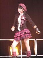 愛らしい笑顔で高い人気のメンバーの前田憂佳。