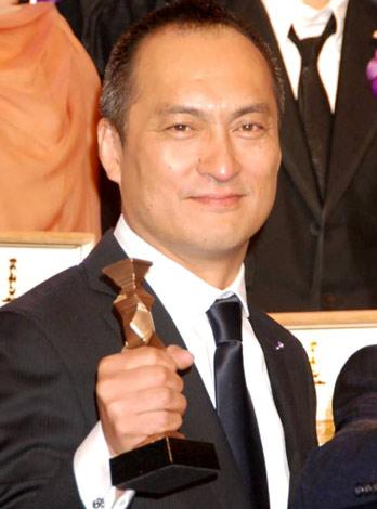 『2010 第33回 日本アカデミー賞』最優秀主演男優賞を受賞した渡辺謙 (C)ORICON DD inc.