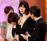 『2010 第33回 日本アカデミー賞』優秀主演女優賞を受賞したペ・ドゥナ(C)ORICON DD inc.