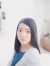"""""""上目遣いの妹キャラ""""に変身したイモトアヤコ/『anan』(3月10日発売号)"""