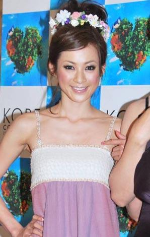 人気ファッションショー『神戸コレクション2010 SPRING/SUMMER』の東京公演に登場した高垣麗子 (C)ORICON DD inc.