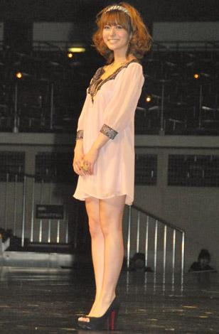 『HAIR COLORING AWARD 2010』女性タレント部門に選ばれた神戸蘭子 (C)ORICON DD inc.