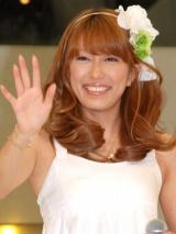 ヘキサゴンユニットのシングル「幸せになろう/恋」発売記念イベントに出席したPaboの里田まい (C)ORICON DD inc.