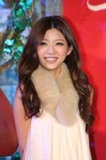 『アリス・イン・ワンダーランド』のプレミアイベントに登場したモデルの赤谷奈緒子。