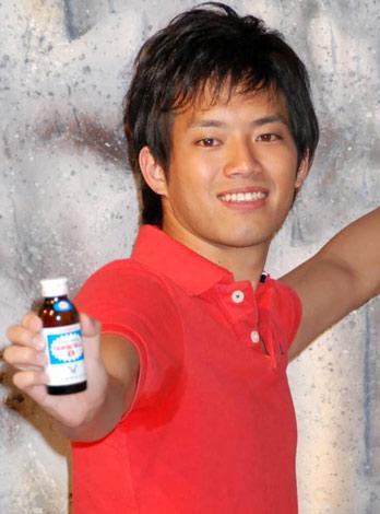 大正製薬『リポビタンD』の新CM発表会に出席した三浦友和