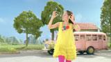 カラフルな衣装で『アイスの実』(江崎グリコ)新CMに出演する井上真央