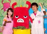関西ローカル放送の新番組『つながりファンタジー いつも!ガリゲル』の収録後にインタビューに応じたキングコング・西野亮廣(右)と吉田奈央アナウンサー