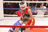 ステファニー・ダブス選手を相手にボクシング対決に挑戦した北陽・虻川美穂子 (C)フジテレビジョン
